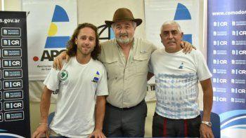 El piloto Santiago Romero, el funcionario Othar Macharashvili y el titular de la APC, Oscar Coria, en la presentación de la competencia.