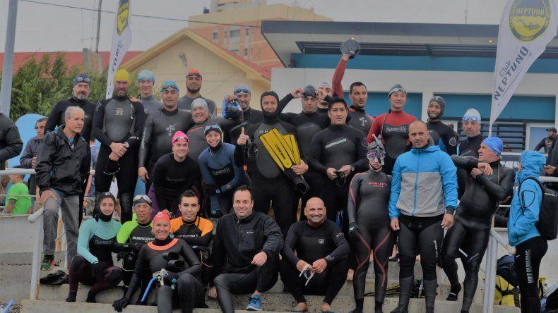 Casi medio centenar de nadadores se animaron a la propuesta del Club Neptuno