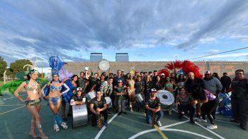 Arcioni felicitó a la Comparsa A Todo Ritmo por ganar los Carnavales