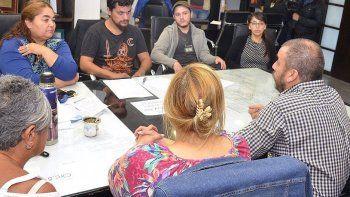 El intendente Facundo Prades recibió en su despacho a representantes de los Vecinos Autoconvocados por el Agua.