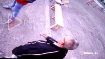 Se recupera el joven baleado en una plaza de Trelew