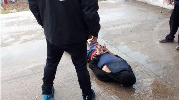 Detuvieron a un adolescente que llevaba puesto un chaleco antibalas