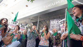 Funcionarios de Salud irán a juicio por violar el derecho a abortar