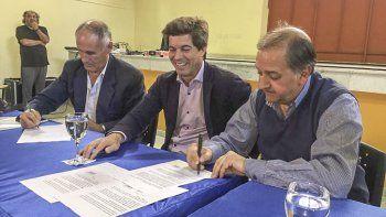 Firmaron el convenio para reactivar la obra del conector cloacal de km 5