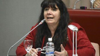 La diputada Dufour pretende derogar  el decreto de Arcioni contra extranjeros