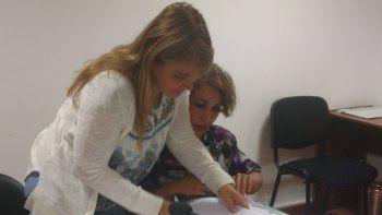 La fiscal Andrea Vázquez y la funcionaria fiscal Rita Barrionuevo presentaron la acusación.