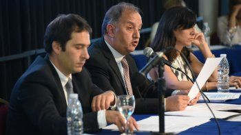 Linares: a la gente hay que  hablarle de cosas concretas