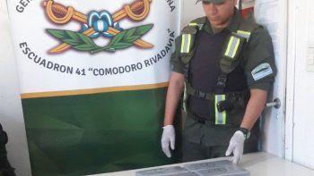 Transportaba cinco kilos de cocaína en el equipaje de mano