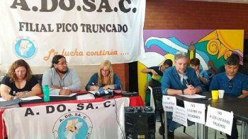 Tras una asamblea en Pico Truncado