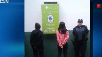 ordenan liberar a madre e hija presas por matar a un hombre de 185 punaladas