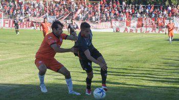 Huracán llega con una gran victoria por 3-2 sobre J. J. Moreno.