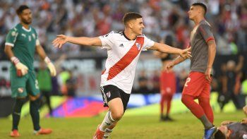 river goleo a independiente y acecha a boca
