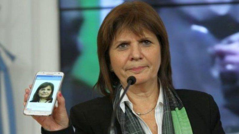 A la ministra de Seguridad no le anda bien internet