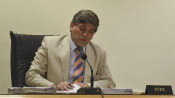 El juez Jorge Odorisio se excusó de participar en el juicio contra el exdelegado local del IPV, Abel Reynay el debate se postergó hasta el lunes.