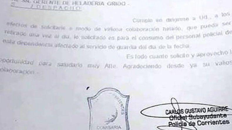 Desafectan a un policía que solicitó por escrito un kilo gratis de helado por día