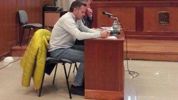 Pablo Bastida junto a su abogado defensor.