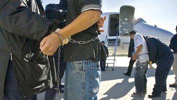 un violador fue deportado a bolivia
