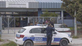 Personal policial interviene el viernes por la tarde en la Escuela 722.