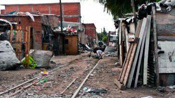 El informe resalta que el 18,6 por ciento registra tres o más carencias en simultáneo, quedando en una situación de pobreza estructural.