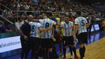 El comodorense Rima marcó en la victoria de Argentina