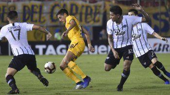 Rosario Central perdió con Libertad y complicó su pase de ronda