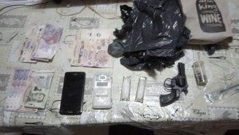 Cuatro detenidos por venta de drogas cerca de una escuela de KM 3