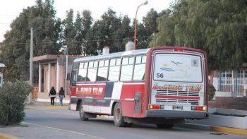 No hay transporte público de Rada Tilly por retención de servicios