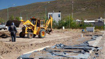 la municipalidad construye el primer espacio publico en altos de la villa