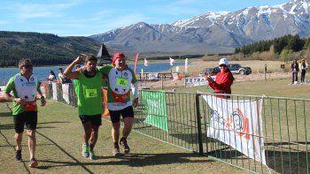 triatlon laguna la zeta conjuga deporte y turismo en una gran reserva natural