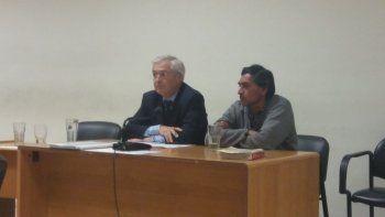 El imputado junto a su abogado defensor Esteban Mantecón.