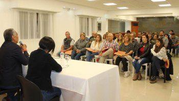 La reunión que Soloaga mantuvo con las familias que habitan esas viviendas.