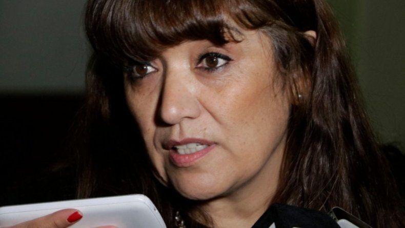 La ministra de Educación pide una nueva fecha para asistir a la Legislatura