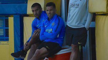 Carlos Tevez deberá ver cómo evoluciona en la semana para saber si puede estar en el partido del miércoles.
