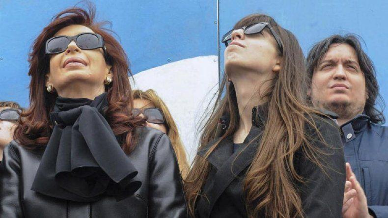 Cristina viajó a Cuba tras despedir a su madre