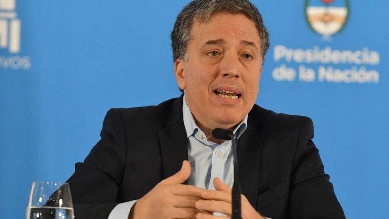 Dujovne señaló a la oposición como la culpable por la suba del riesgo país