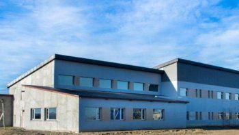 estudiantes hospitalizados al ceder parte del cielorraso en una escuela