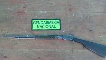 Gendarmería demoró a un hombre que manejaba armado