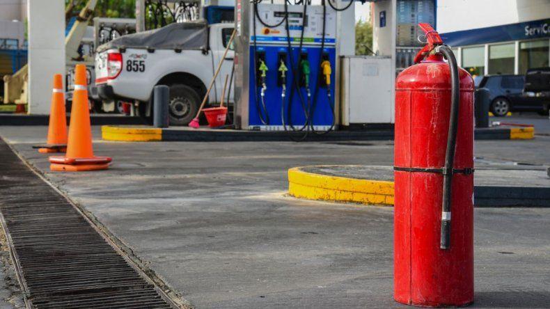 Las estaciones de servicio de YPF se quedaron sin combustibles y Axion tiene sobredemanda