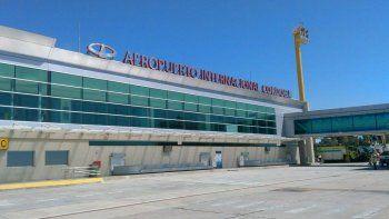 aerolinea debe indemnizar a un pasajero con $170 mil por cancelarle el vuelo