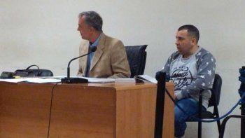 Héctor Fretes junto al abogado defensor Guillermo Iglesias.