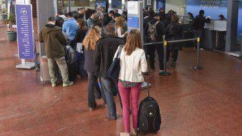 Aerolíneas canceló todos sus vuelos del martes