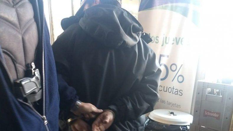 Intentó escapar con fiambres por un valor de 1200 pesos