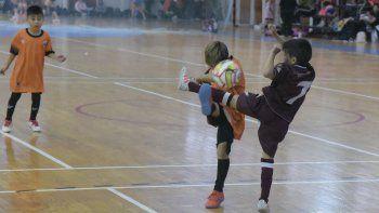 En el gimnasio municipal 2 hubo acción del futsal promocional.