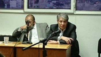 Oscar Romero (derecha), de profesión abogado, es defendido en esta causa por Abdón Manyauik.