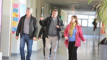 La primera actividad del nuevo ministro de Educación consistió en recorrer escuelas en refacción