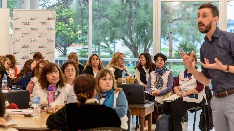 PAE promueve innovación, emprendedorismo y capacitación, para docentes y estudiantes