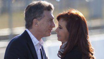 Parrilli aseguró que Cristina podría aceptar el llamado de Macri
