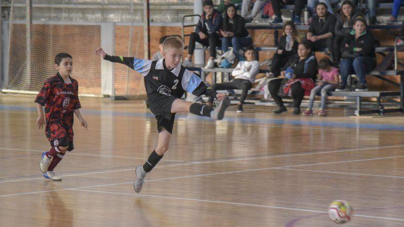 Casino Club y Lanús Infantil igualaron 1-1 en uno de los partidos de la denominación C-09 de la clase 2010.