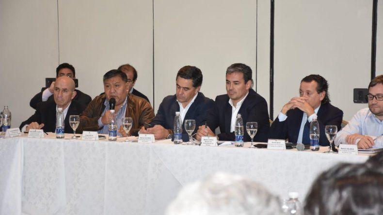 La mesa petrolera que se desarrolló ayer en Comodoro Rivadavia.