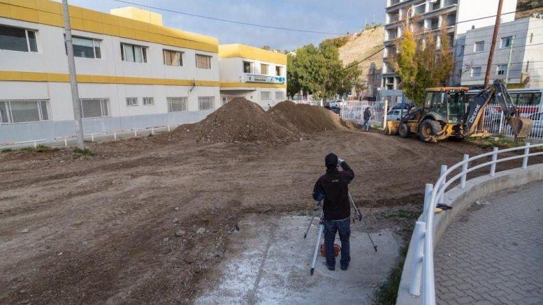 El municipio invierte $2 millones en construir un estacionamiento para el Hospital Regional